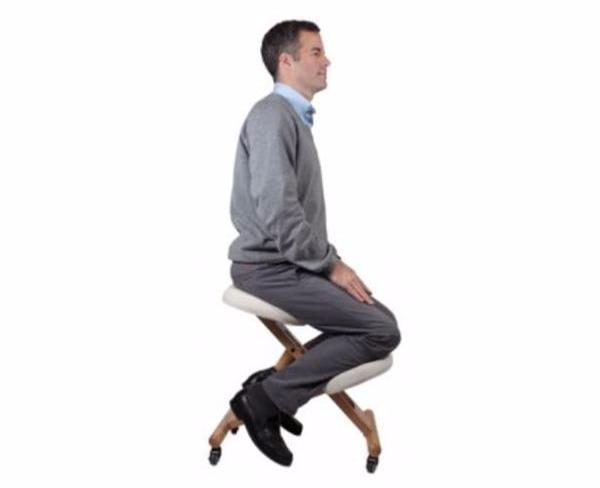 siege-ergonomique-assis-genoux 1